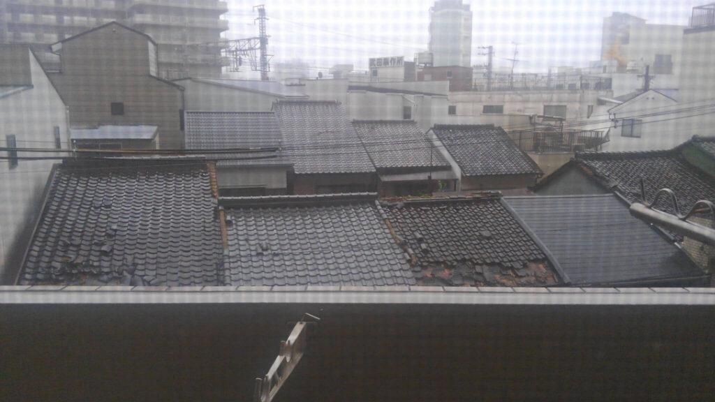 台風21号でずれた瓦